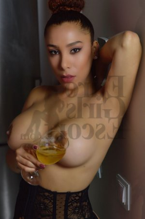 Julye escort girl in Alma