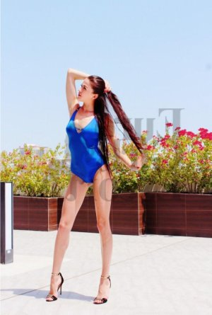Evette escort girl
