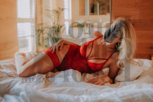 Nelia escort in Fairhope