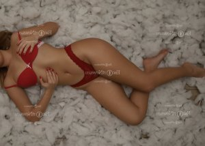 Soleyne escort in Richmond