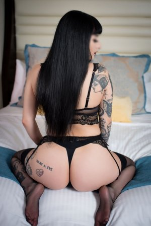 Ellyana escort girl in Brandermill Virginia
