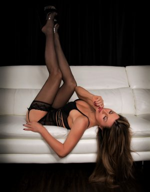 Michelette escort girl